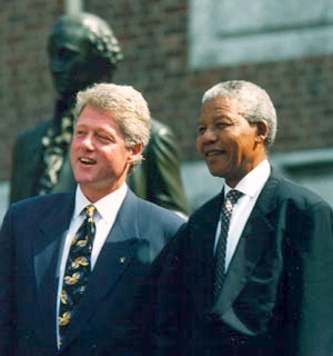 0046-clinton_and_mandela.jpg