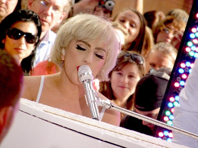 0083-lady_gaga_you_and_i.jpg
