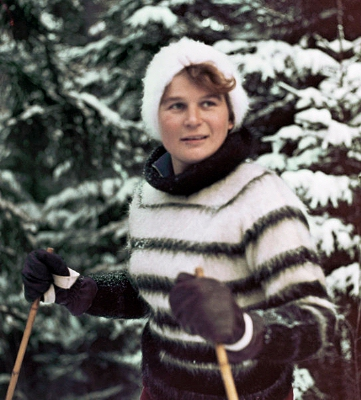 0160-tereshkova_skiing.jpg