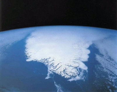 0182-space_shuttle_photograph_of_greenland.jpg