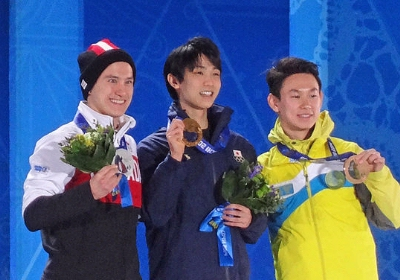 0189-hanyu_on_the_podium_cropped.jpg