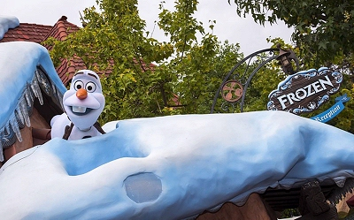 0217-olaf_from_frozen_at_fantasyland_disneyland.jpg