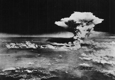 0282-atomic_cloud_over_hiroshima_(from_matsuyama).jpg