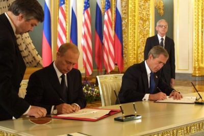 0282-bush_and_putin_signing_sort.jpg