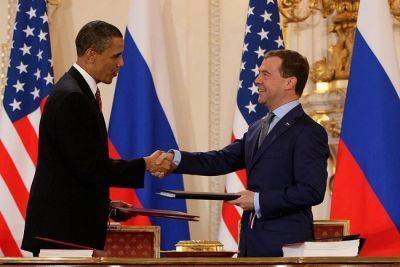 0282-obama_and_medbvedev_sign_prague_treaty_2010.jpg