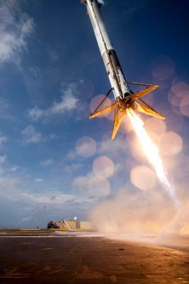 0299-crs-6_first_stage_booster_landing_attempt.jpg