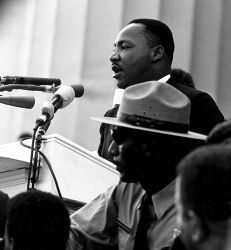 0370-martin_luther_king_march_on_washington.jpg