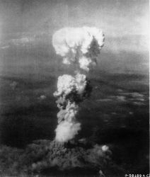 0383-atomic_cloud_over_hiroshima.jpg