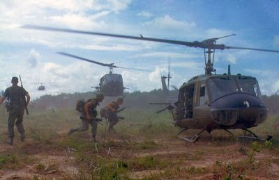 0442-uh-1d_helicopters_in_vietnam_1966.jpg