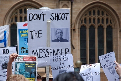 0060-protesters_in_sydney.jpg