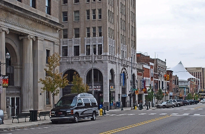0084-pontiac_michigan_downtown.jpg