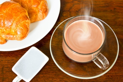 0173-hot_chocolate_and_criossants.jpg