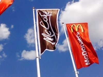 0244-mccafe_flags.jpg