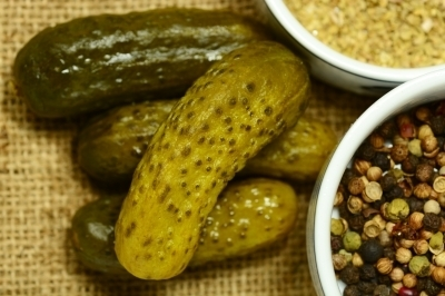 0459-macro_shot_of_some_fresh_pickles_and_spices.jpg