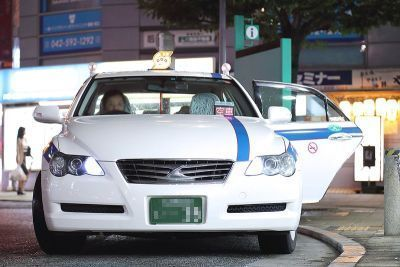 0499-toyota_mark_x_(grx120)_by_privately_owned_taxi_retouched.jpg